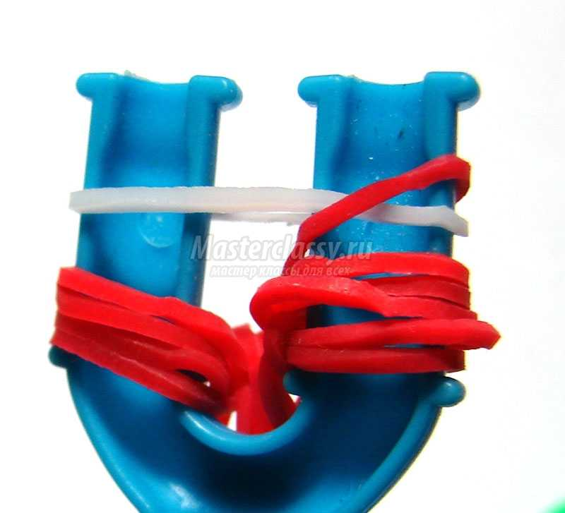 плетение браслетов из резинок на рогатке