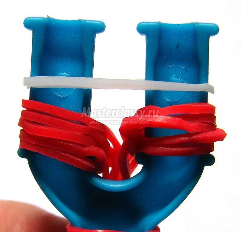 браслеты из резинок на рогатке видео