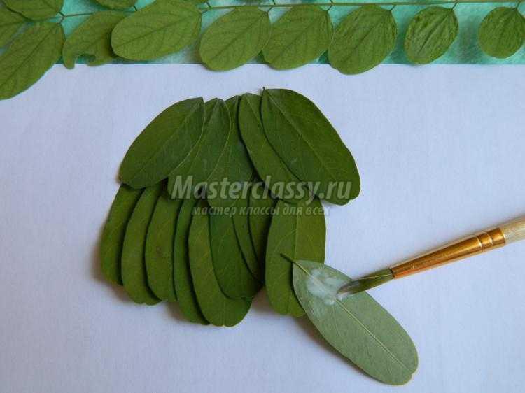 аппликация из листьев. Сова