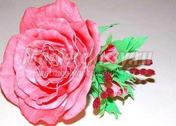 Заколка - роза из фоамирана. Мастер-класс с фото