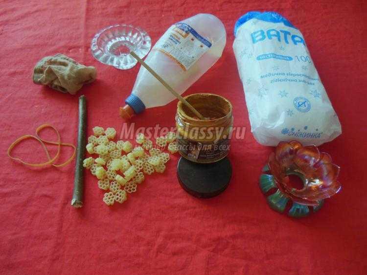 1445927613_2_750x562 Мастер-класс: как сделать топиарий из шишек, кофе или макарон