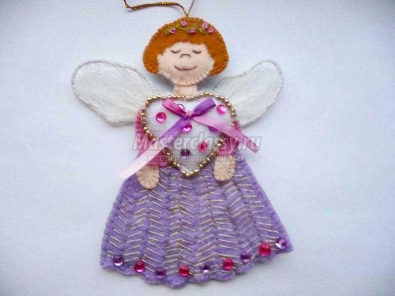 ангелочек из фетра на елку