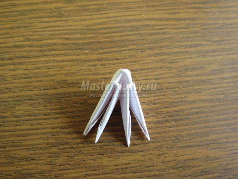 елочка из модулей оригами