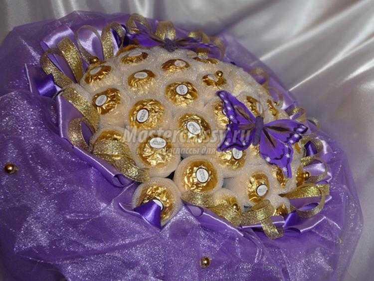 Букеты из органзы с конфетами своими руками 15