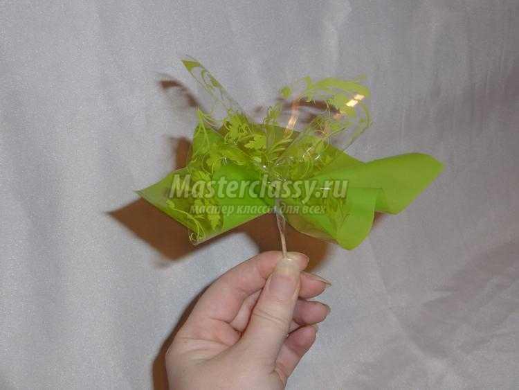 сладкая корзинка из конфет. Цветик-семицветик