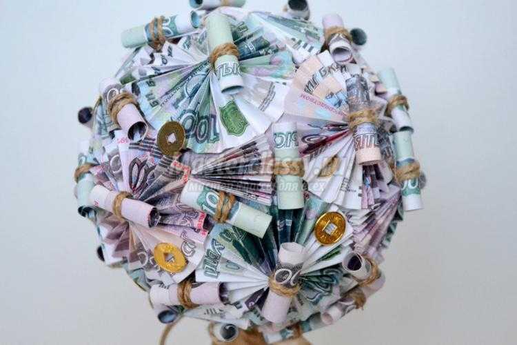оригинальный топиарий из денежных купюр