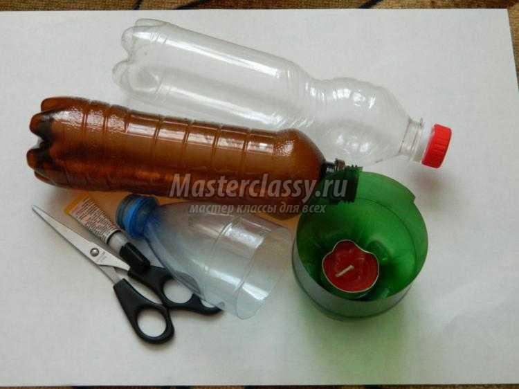 композиция из пластиковых бутылок. Первоцветы