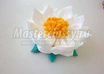 Кувшинка из салфеток в технике модульное оригами. Подарок к 8 марта. Мастер-класс