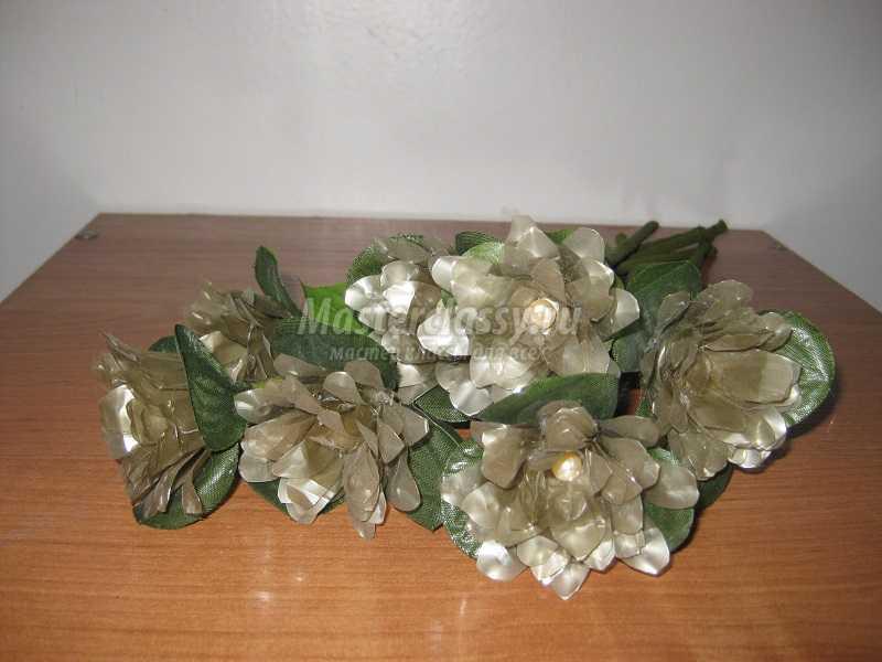 цветы из бросового материала своими руками