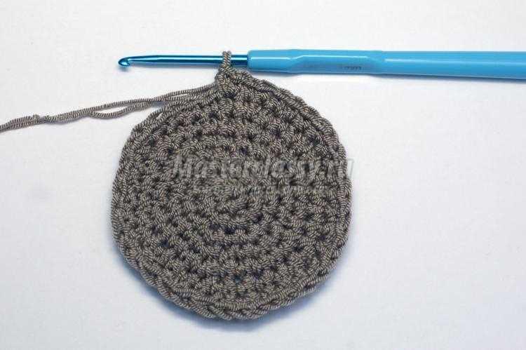 весенняя женская шапочка крючком