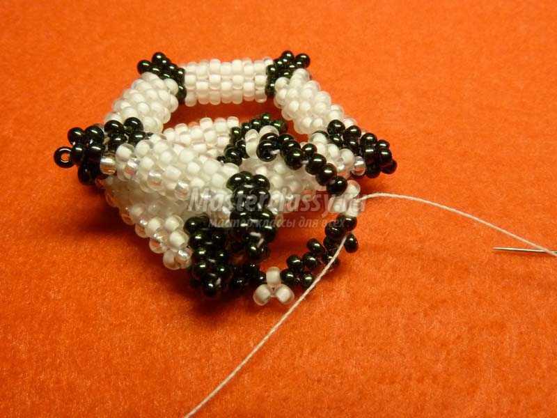 плетение из бисера колье