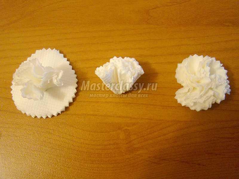 Цветы из салфеток: легкие поделки своими руками, пошаговые 19