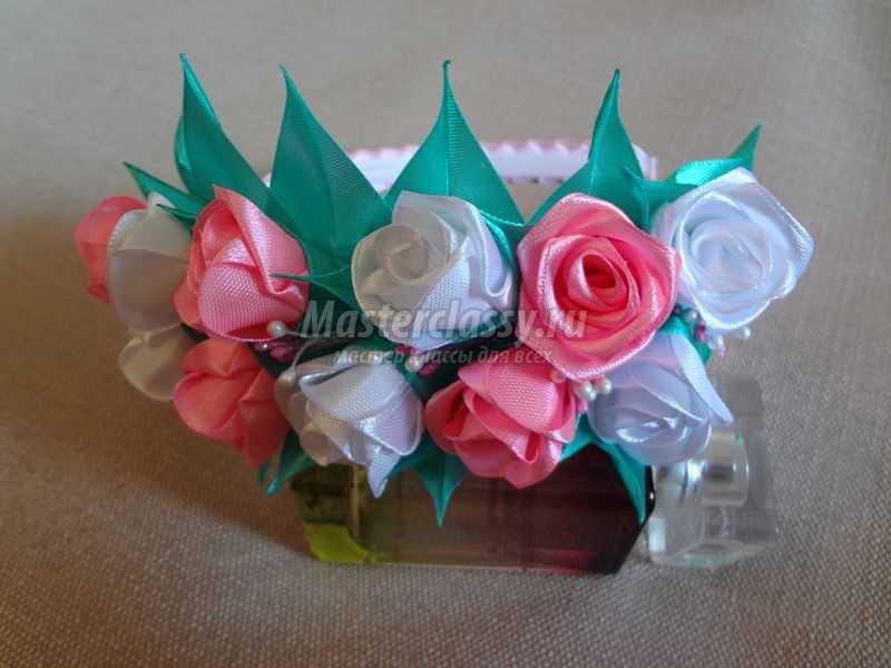 Канзаши ободок с мелкими цветами