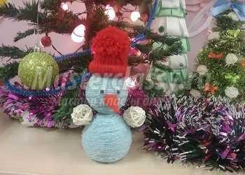 Снеговик из подручных материалов. Мастер-класс